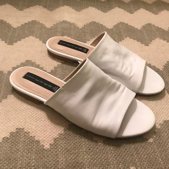 8b9c51c6e06 Steven By Steve Madden Shoes - Like New! White Steven by Steve Madden Slides